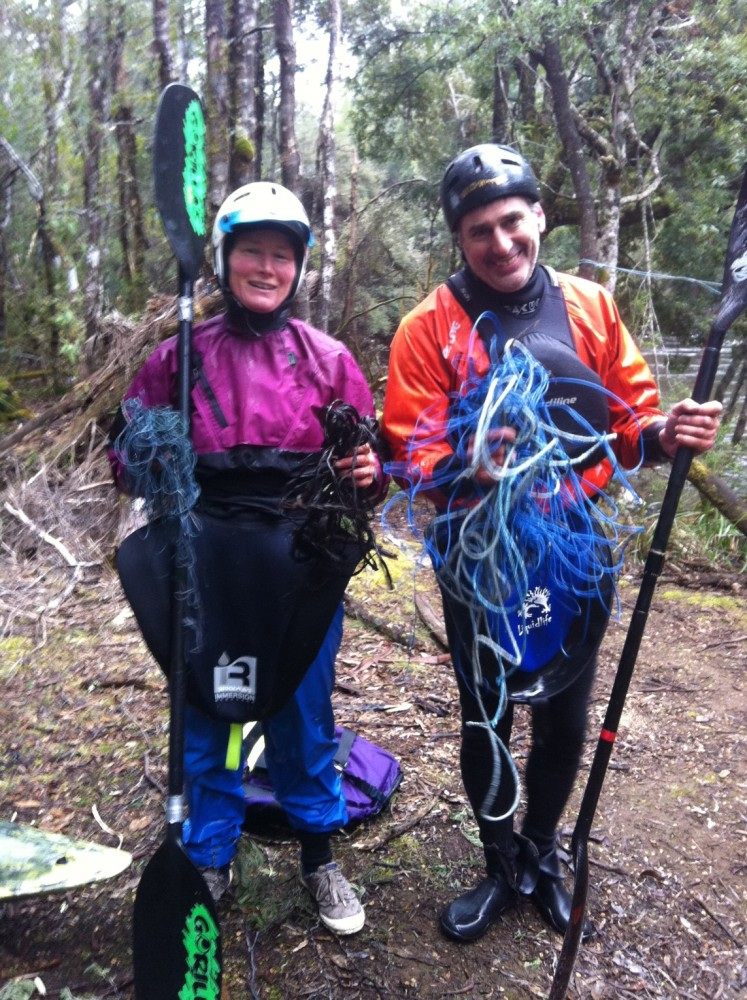 Vicky and Dave untangling rope